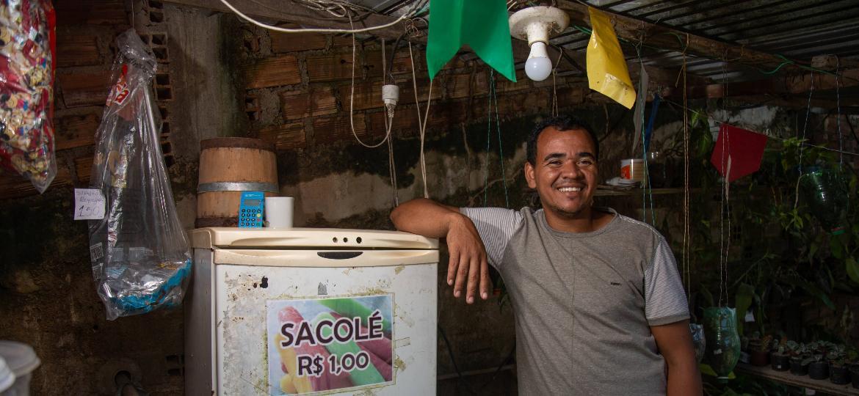 Luiz Carlos, proprietário da Loja Pé da Serra - Rafael Bandeira/UOL