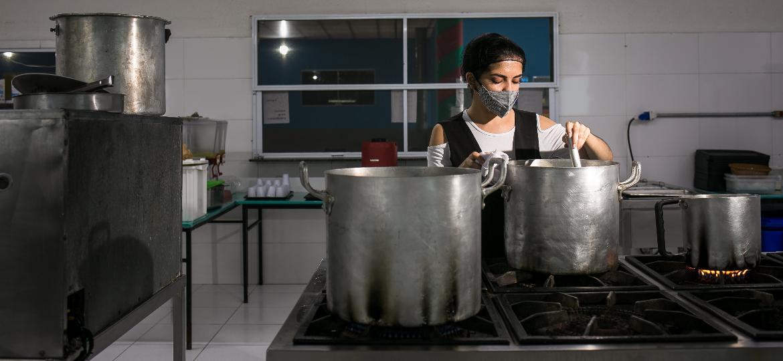 Amanda Moraes, 23, nutricionista que trabalha no CTA Canindé, em São Paulo - Keiny Andrade/UOL