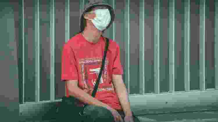 Homem veste máscara no Japão: país é reconhecido pelo seu controle sanitário - Jusdevoyage/Unsplash - Jusdevoyage/Unsplash