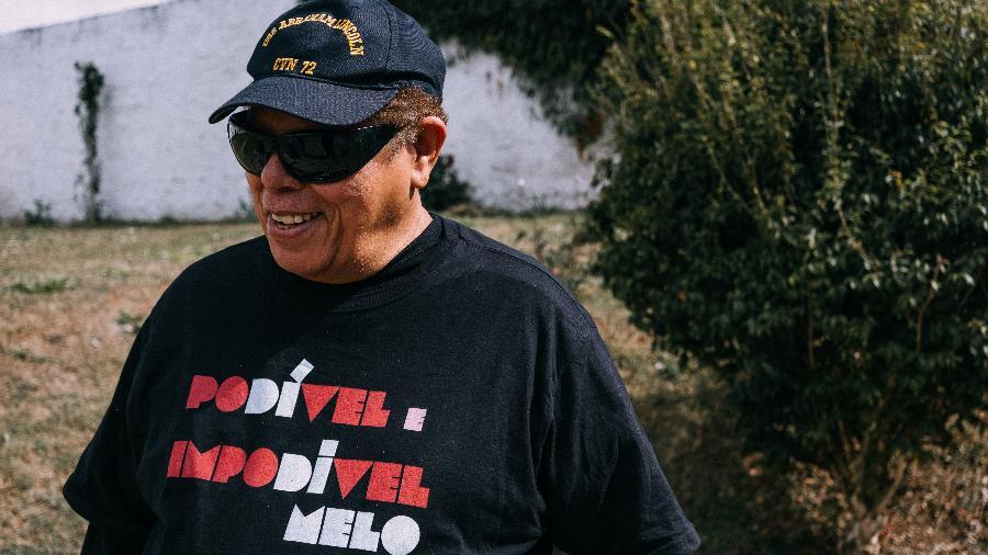 O músico pernambucano Roberto Di Melo em sua casa, em Vargem Grande Paulista, na Grande São Paulo - Yago Gonçalves/UOL