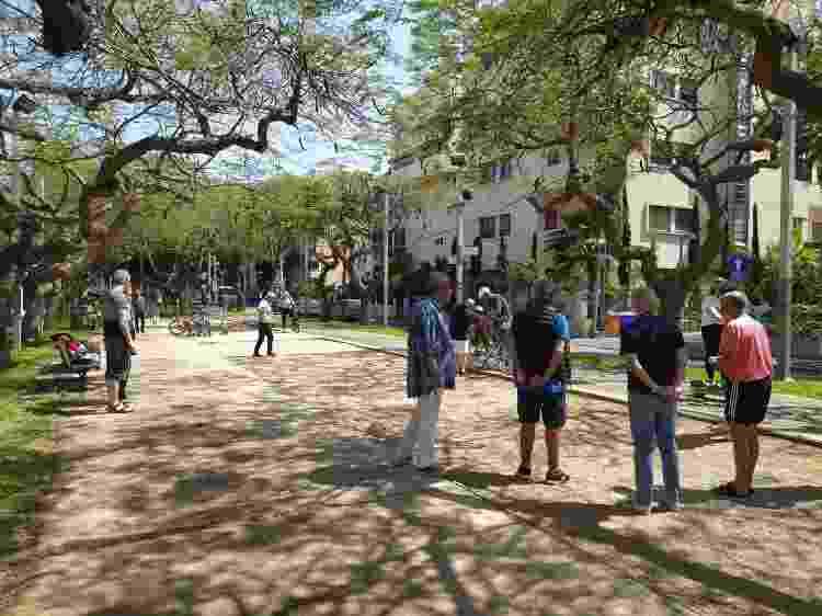 Boulevard Rothschild, em Tel Aviv - Laura Capelhuchnik/UOL - Laura Capelhuchnik/UOL