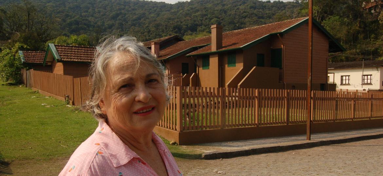 Zélia Maria Paralego, dona da Hospedaria dos Memorialistas, em Paranapiacaba (SP) - Priscila Gorzoni/UOL