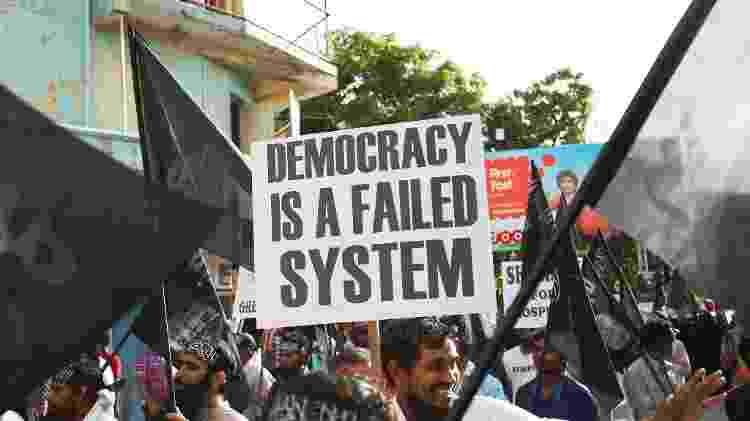 Críticas à democracia em protesto nas Ilhas Maldivas, em 2014 - Dying Regime / Wikimedia Commons - Dying Regime / Wikimedia Commons