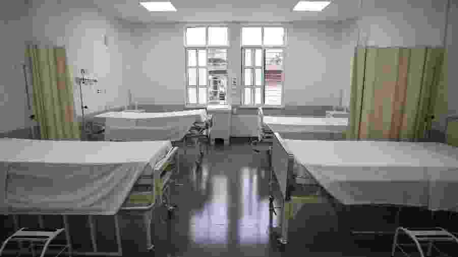 Leitos de enfermaria reformados da Santa Casa de Misericórdia de São Paulo para atender pacientes com Covid-19 - Newton Menezes/Futura Press/Folhapress