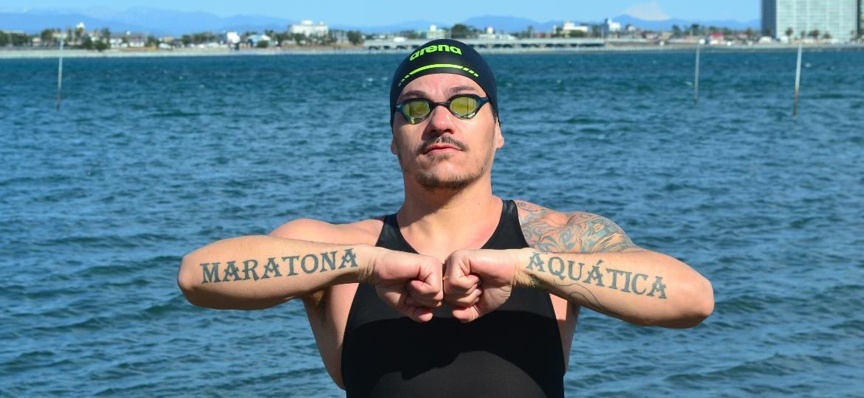 Depois de ver naufragar o sonho de uma vaga na Olimpíada de Pequim (2008), Ulisses Utida se tornou operário no Japão, venceu torneio inédito e agora treina para ultramaratona aquática - Rodrigo Sicuro/UOL