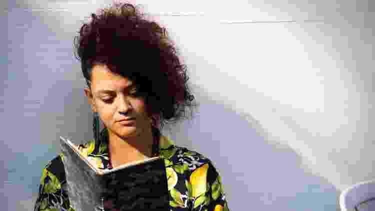 Bárbara Esmenia é uma das fundadoras da Padê Editorial, que publica muitas autoras negras e LGBT - Micha Fotografia