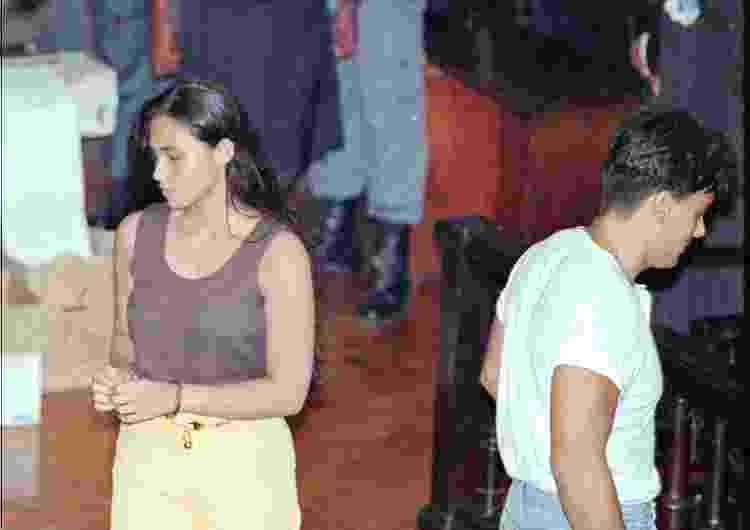 Paula Thomaz e Guilherme de Pádua evitam se olhar na chegada ao Fórum do Rio para julgamento, em 1997 - Patrícia Santos/Folhapress - Patrícia Santos/Folhapress