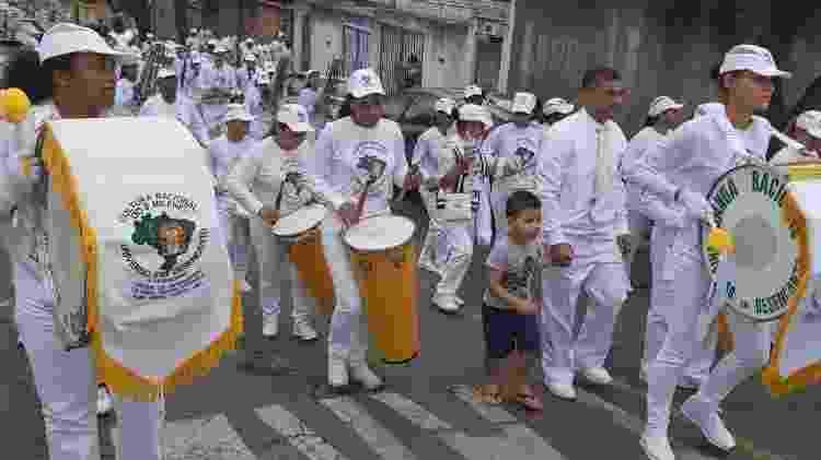 Com regência de Paulo César, Banda Racional faz caravana dominical pelas ruas de Belo Horizonte (MG) antes da pandemia - Arquivo pessoal - Arquivo pessoal