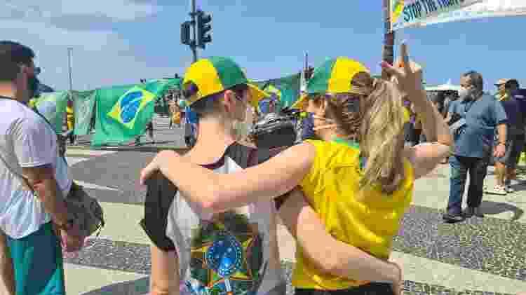 Carolina Maia e Luciana Pascoal, casal de lésbicas em favor de Jair Bolsonaro no Sete de Setembro, no Rio - Elisa Soupin/UOL - Elisa Soupin/UOL