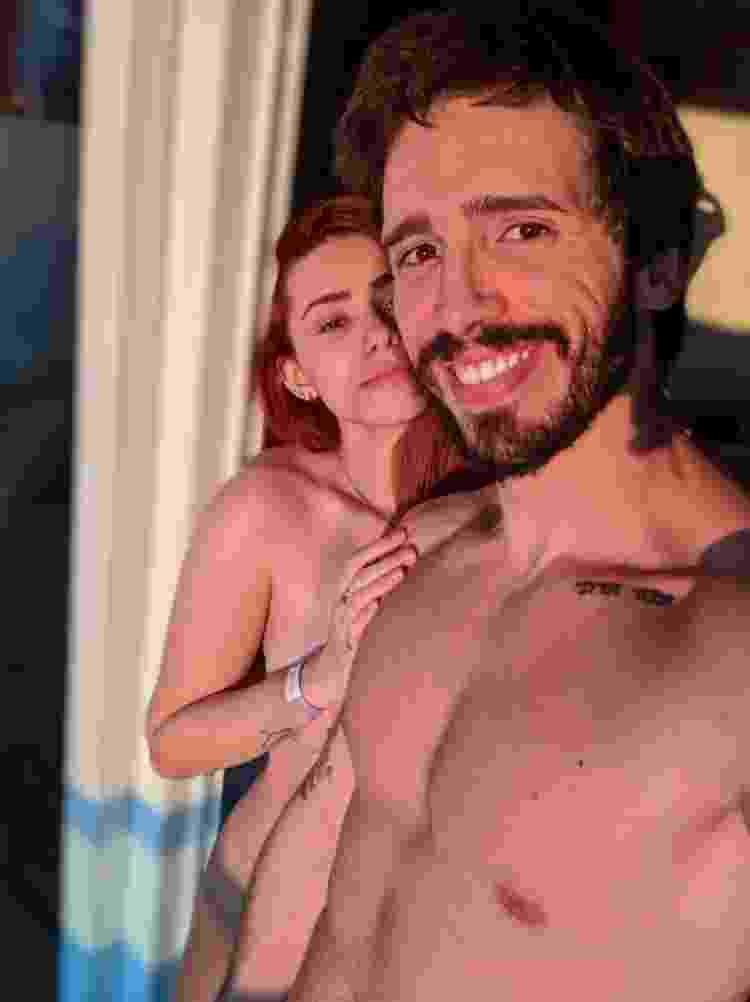 Casal Bella e Arthur, que participaram da Semana Liberal sobre swing, promovida pelo Sexlog - Arquivo pessoal - Arquivo pessoal