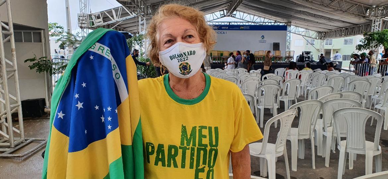 Olímpia de Barros Correia, no bairro de Benedito Bentes, durante passagem de Jair Bolsonaro por Maceió - Carlos Madeiro/UOL