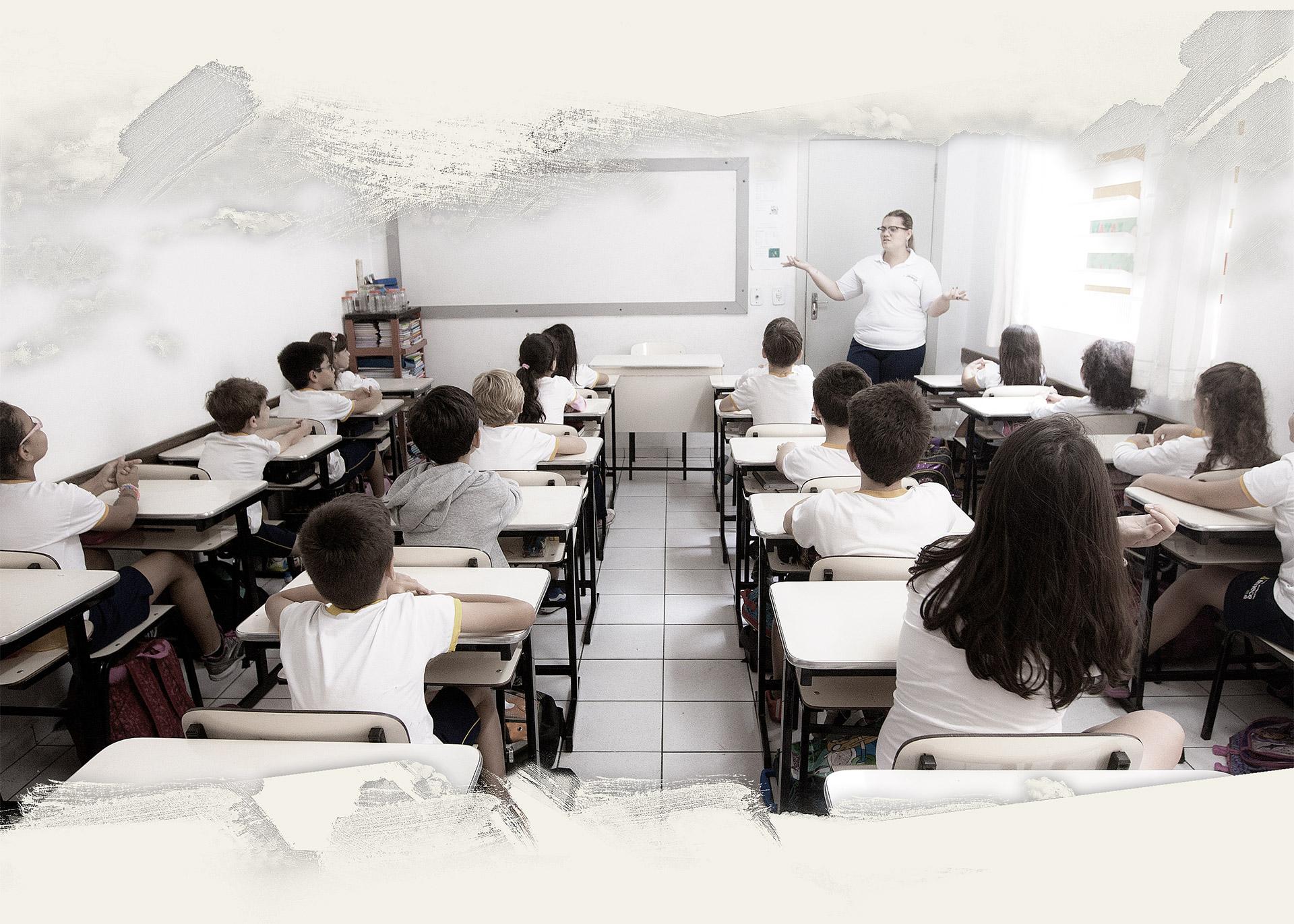 Há muito tempo a sala de aula com carteiras enfileiradas e aulas  expositivas não basta para encantar os alunos. 553dea3b60b84