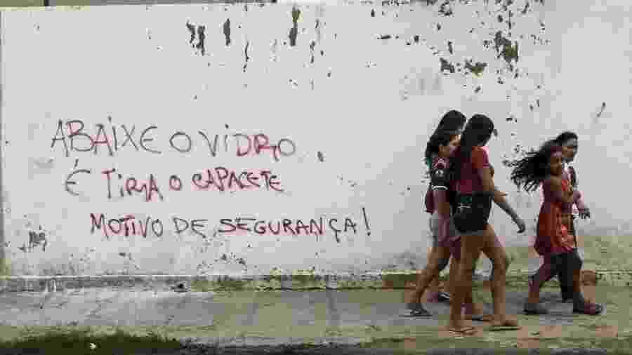 Bairro de Fortaleza pichados com alertas, em 2018 - Jarbas Oliveira