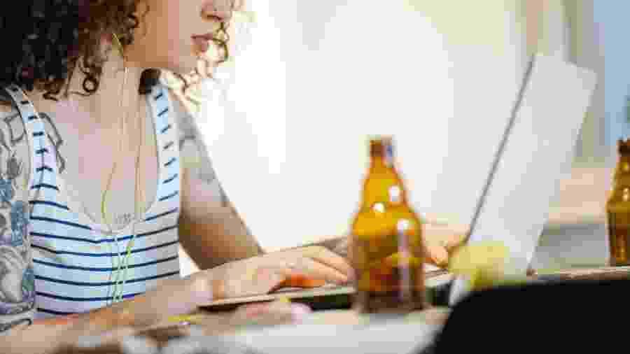 Consumo de bebida alcoólica aumenta entre mulheres - Getty Images
