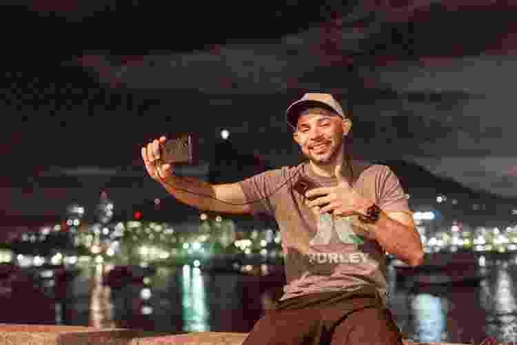 PsicoDriver, o motorista de aplicativo que faz 'livestream' de suas corridas no Rio - Matias Maxx/UOL - Matias Maxx/UOL