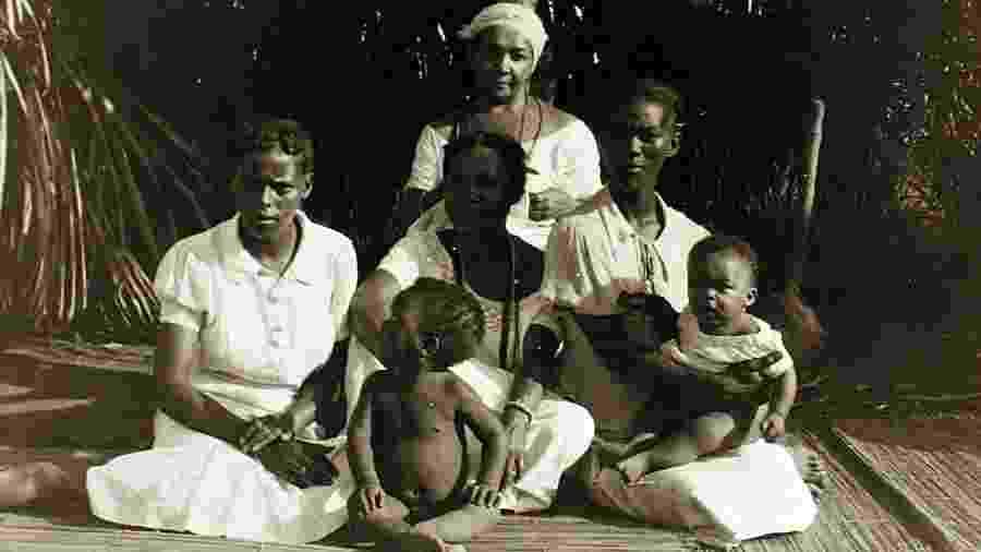 Povo de axé retratado por Lorenzo Dow Turner na Bahia dos anos 1940 - Divulgação