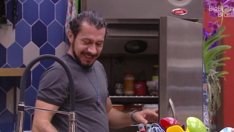 Rômulo começa ataque contra Ilmar  - Reprodução/TV Globo