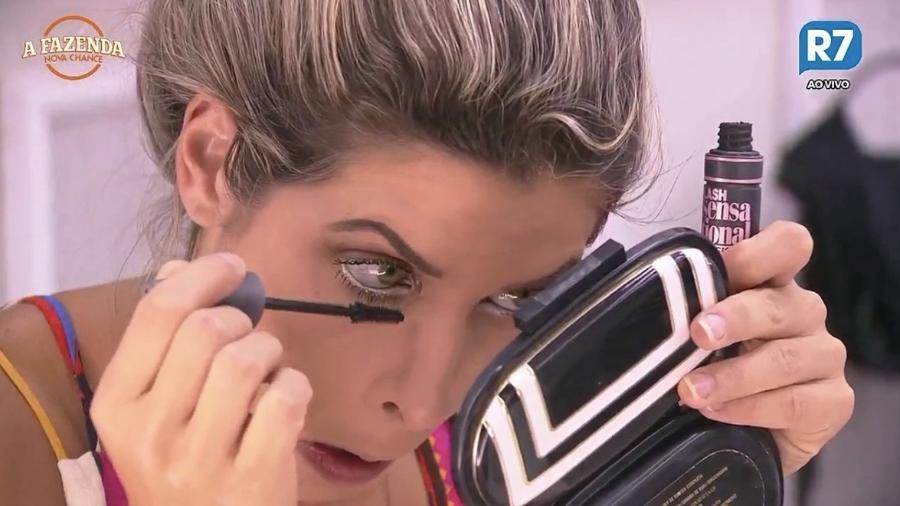 """Ana Paula Minerato se arruma para atividade surpresa em """"A Fazenda 9"""" - Reprodução/R7"""