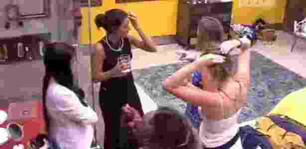As mulheres se articulam para votar em Daniel e Alan no primeiro paredão do BBB16 - Reprodução/ TV Globo