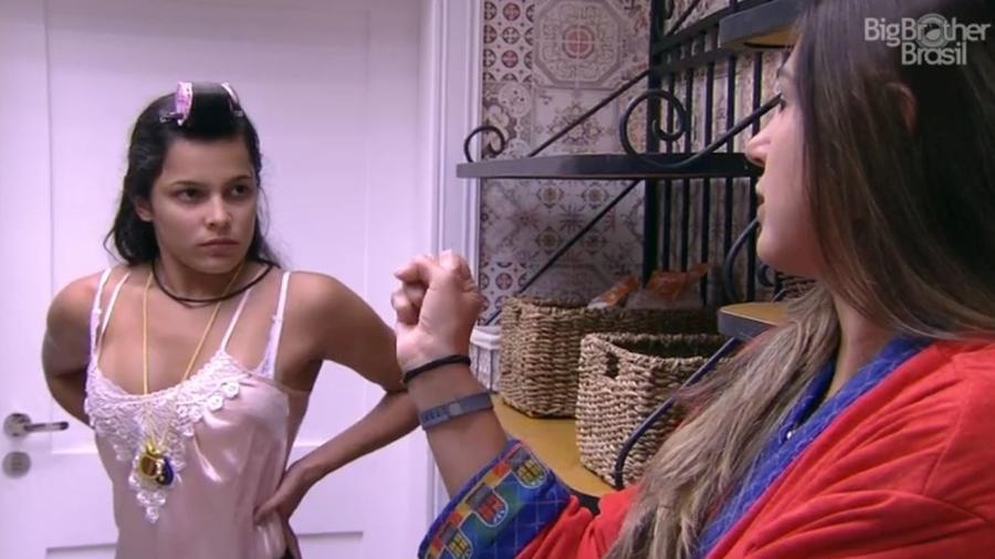 Emilly e Vivian conversam com Marcos - Reprodução/TV Globo