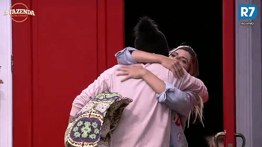 """Prova coloca Flávia, Marcelo e Matheus para fora da sede em """"A Fazenda"""" - Reprodução/R7"""
