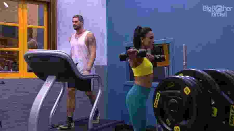 Marinalva e Daniel malham na academia - Reprodução/TV Globo