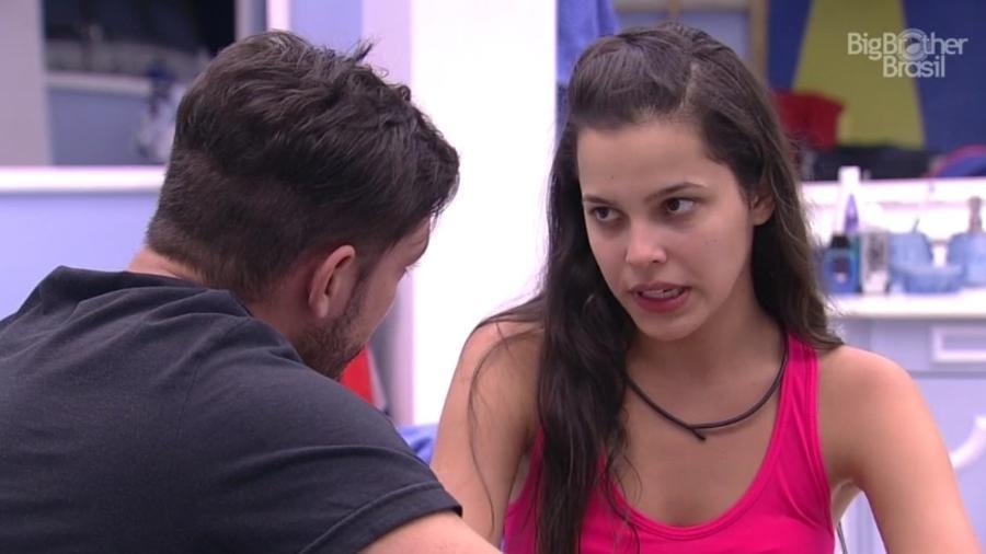 Mayla e Luiz Felipe conversam sobre a relação  - Reprodução/Tv Globo