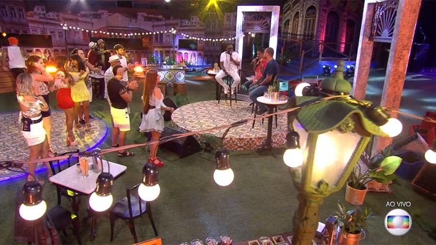 "Festa ""Roda de Samba"" na casa do ""BBB18"" - Reprodução/GloboPlay"