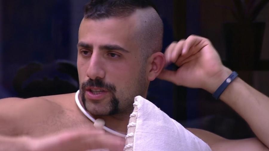 Patrícia reclama com Kaysar - Reprodução/Globoplay