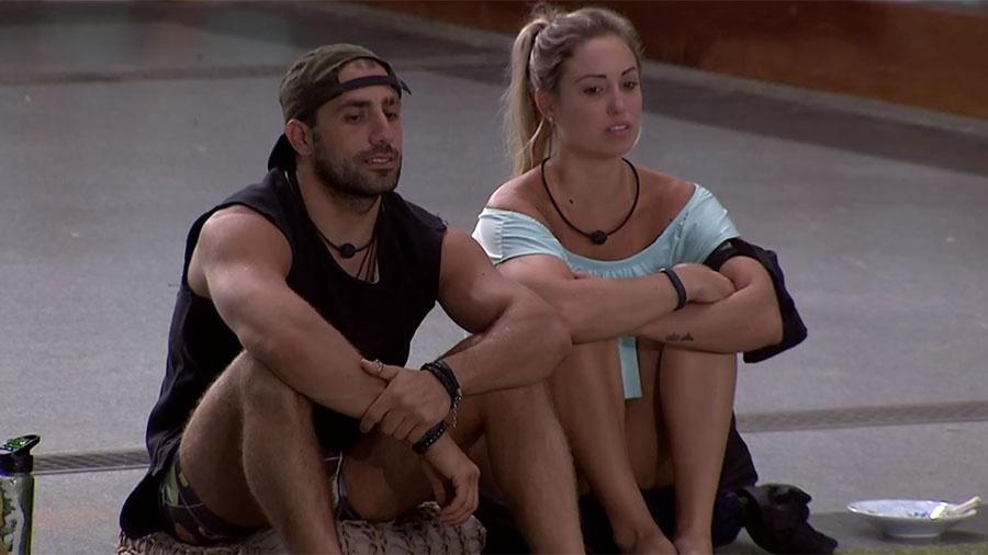 Kaysar e Jéssica conversam após a formação do paredão - Reprodução/GloboPlay