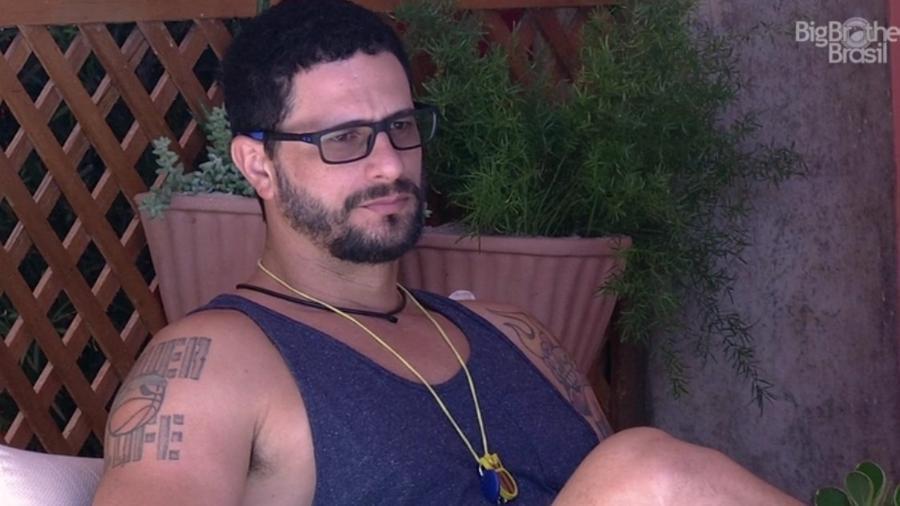 Daniel afirma não ter interesse em Roberta - Reprodução/ TV Globo