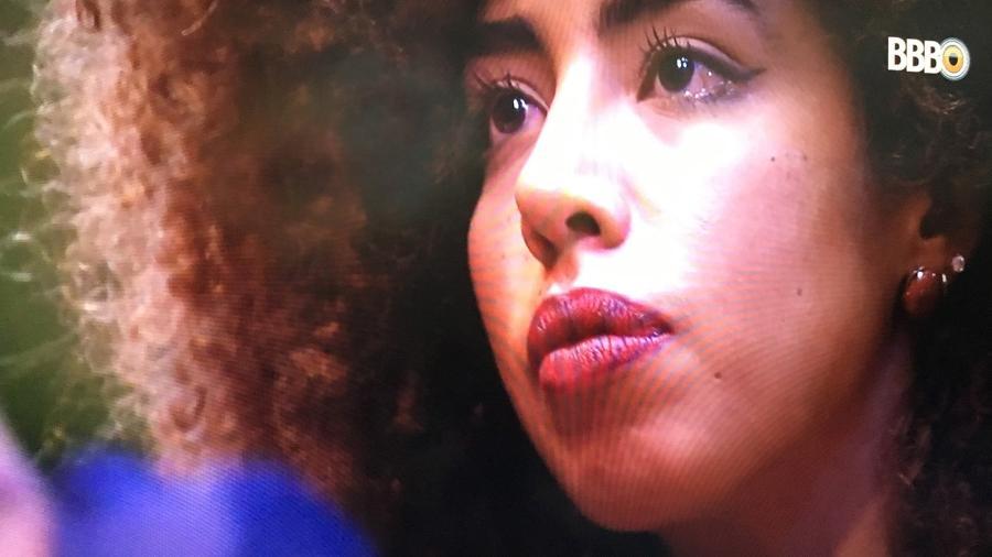 Gabriela Flor chora ao Antônio pedir desculpas por seu comportamento  - Reprodução/TV Globo