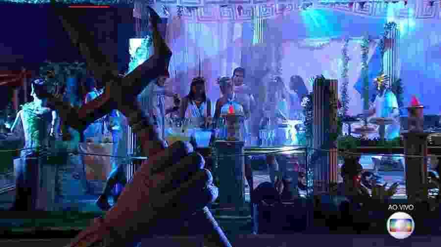 """Terceira festa no """"BBB18"""" tem o tema """"Deuses Gregos"""" - Reprodução/GloboPlay"""