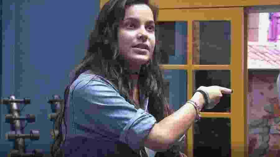 Emilly discute com Marcos depois de acusada de se fazer de vítima - Reprodução/TVGlobo
