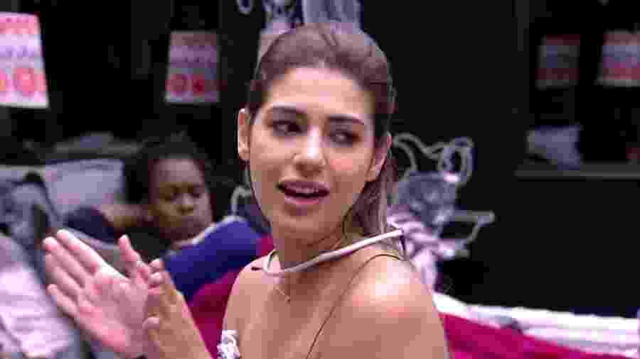 """Vivian afirmou que vai votar em Emilly no """"BBB17"""" - Reprodução/TV Globo"""