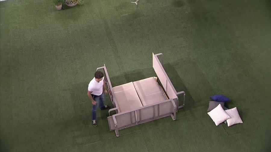 """Marcos e Emilly monta barraca no jardim do """"BBB17"""" - Reprodução/TV Globo"""
