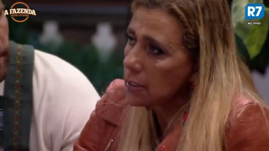 Rita Cadillac chora de saudade de Fábio Arruda - Reprodução/R7