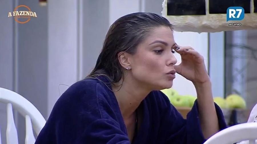 Flávia Viana fala conversa com Yuri Fernandes durante festa  - Reprodução/R7