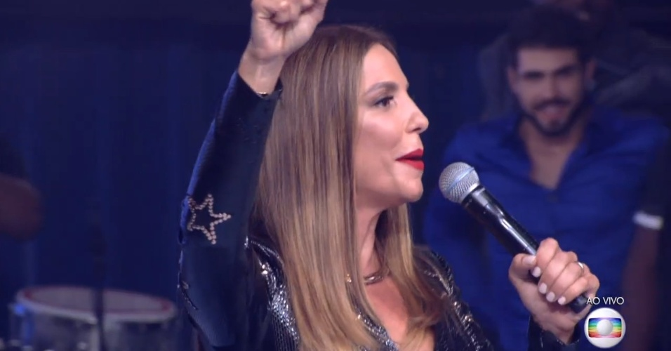 5.abr.2016 - Ivete anima a final do