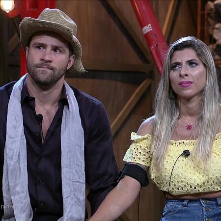 Marcelo Ié Ié e Ana Paula Minerato aguardam resultado da oitava roça  - Reprodução/Record