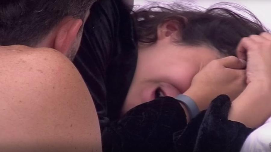 Emilly chora com acusação de Marcos - Reprodução/TVGlobo