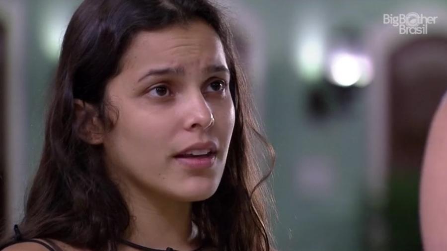 """Emilly diz que Marcos """"se faz de amiguinho"""" de sisters - Reprodução/TVGlobo"""