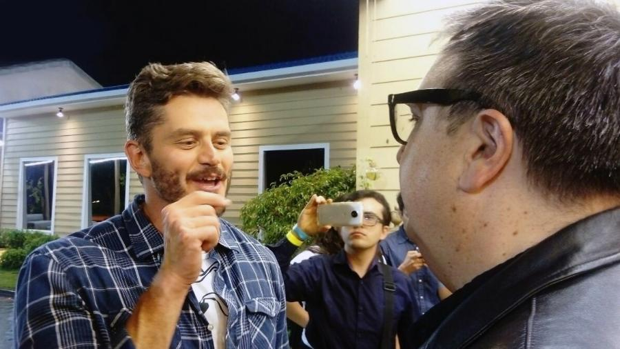 """Marcos Harter fala com Rodrigo Carelli, diretor de """"A Fazenda 9"""" - Stefanie Gaspar"""