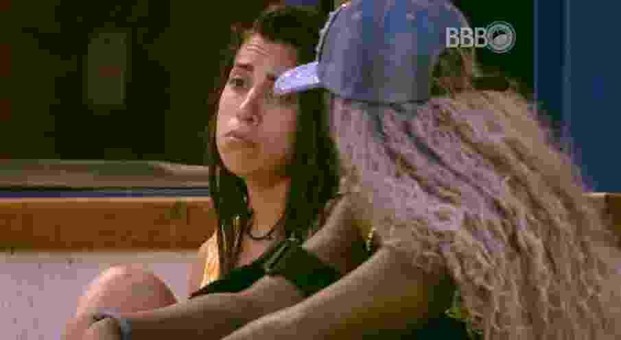 """10.fev.2016 - Juliana e Adélia falam sobre o próximo paredão, no """"BBB16"""" - Reprodução/TV Globo"""