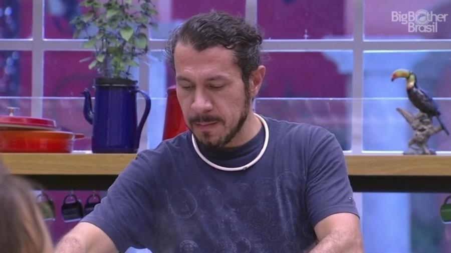 Rômulo aposta na saída de Elis - Reprodução/TV Globo