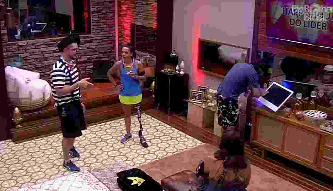 Brothers curtem happy hour no quarto do líder - Reprodução/TV Globo
