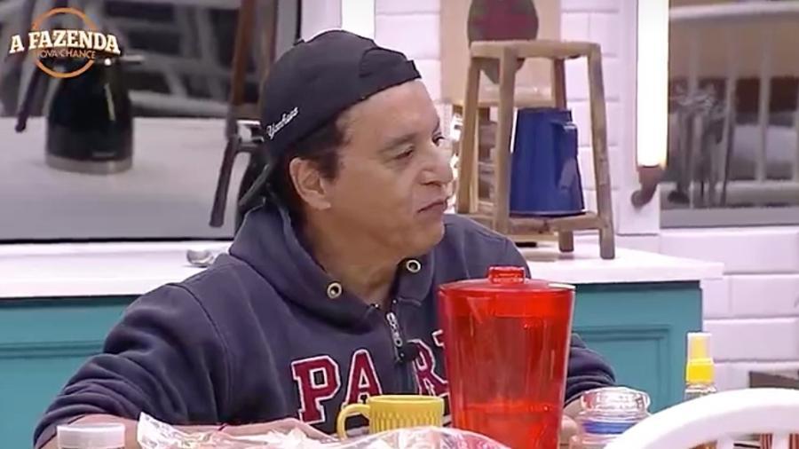 Nahim diz que Fábio Arruda não quer ir embora, e sim, aparecer mais na TV - Reprodução/R7