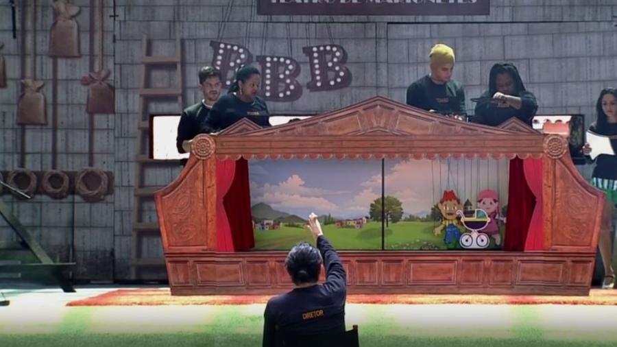 Brothers encenam teatro de marionetes - Reprodução/TVGlobo