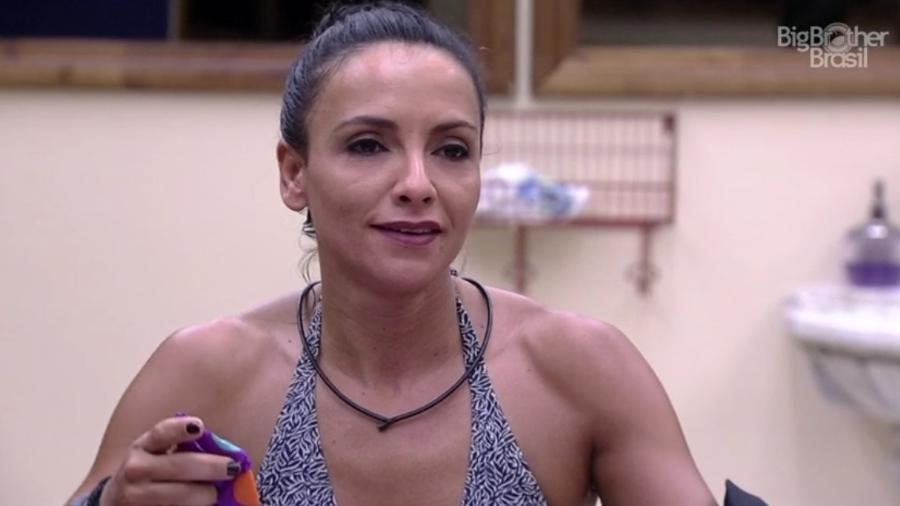 """Marinalva conversa com Marcos sobre eventos ocorridos no início da semana no """"BBB17"""" - Reprodução/ TV Globo"""