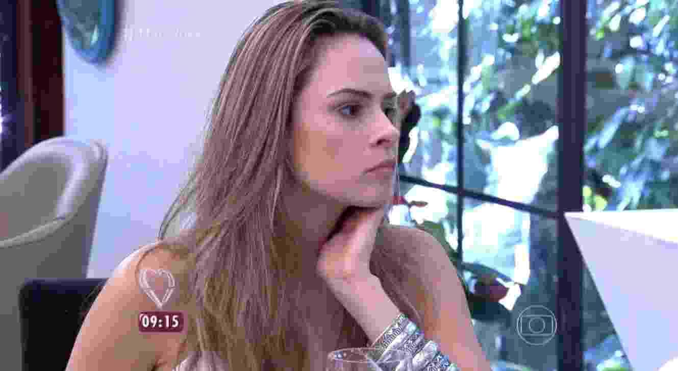 """Após ser desclassificada do """"BBB16"""", Ana Paula conversa com Ana Maria Braga no programa """"Mais Você"""" - Reprodução/TV Globo"""